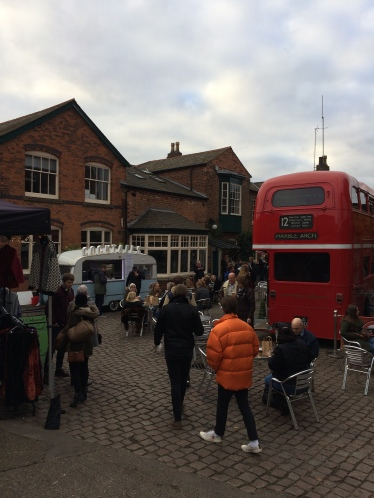 winter market, digbeth, birmingham, beer bus