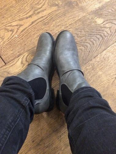 autumn fashion, boots, chelsea boots, clothing, seasonal clothes