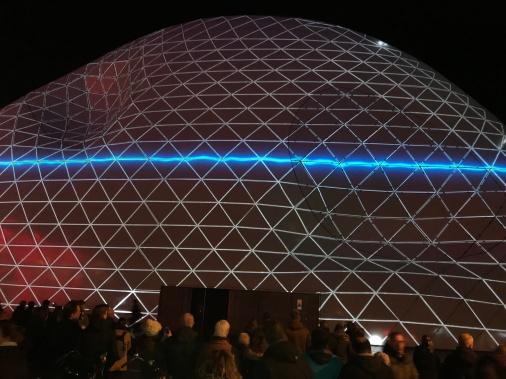 glow eindhoven, light art festival, blob the bulb, nieuwe emmasingel, radio wave, calm before the storm