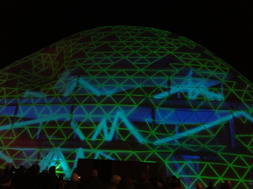 glow eindhoven, light art festival, blob the bulb, nieuwe emmasingel, light waves