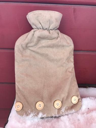 ski holiday, winter essentials, hot water bottle, snow, winter