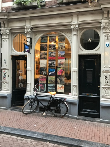 negen straatjes, nine streets, amsterdam, netherlands, wax well records, record shop